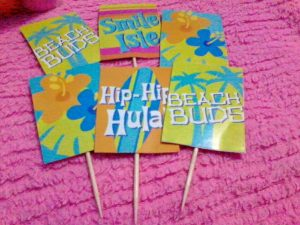 1. Cupcake Toppers: I found surfing gift wrappers in Robinson's place, Ermita department store and thought of using it as a cupcake topper as I could not find any surf themed cupcake toppers.